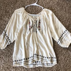 Rose Embroidered 3/4 sleeve top